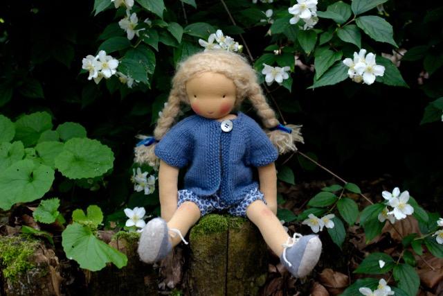 feinslieb-Waldorf-doll_Margareta_04