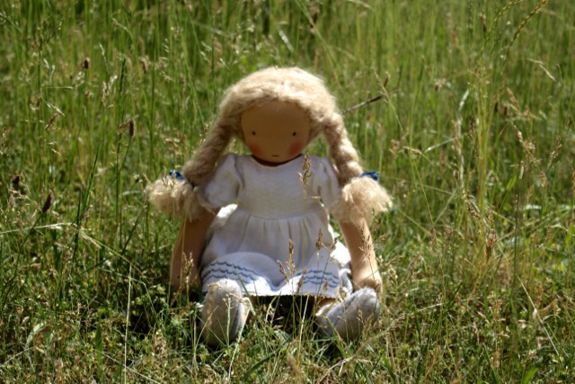 feinslieb-Waldorf-doll_Margareta_10