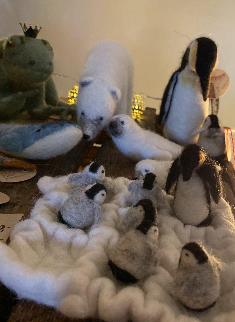 Filztiere aus dem Eis: Eisbär, große und kleine Pinguine