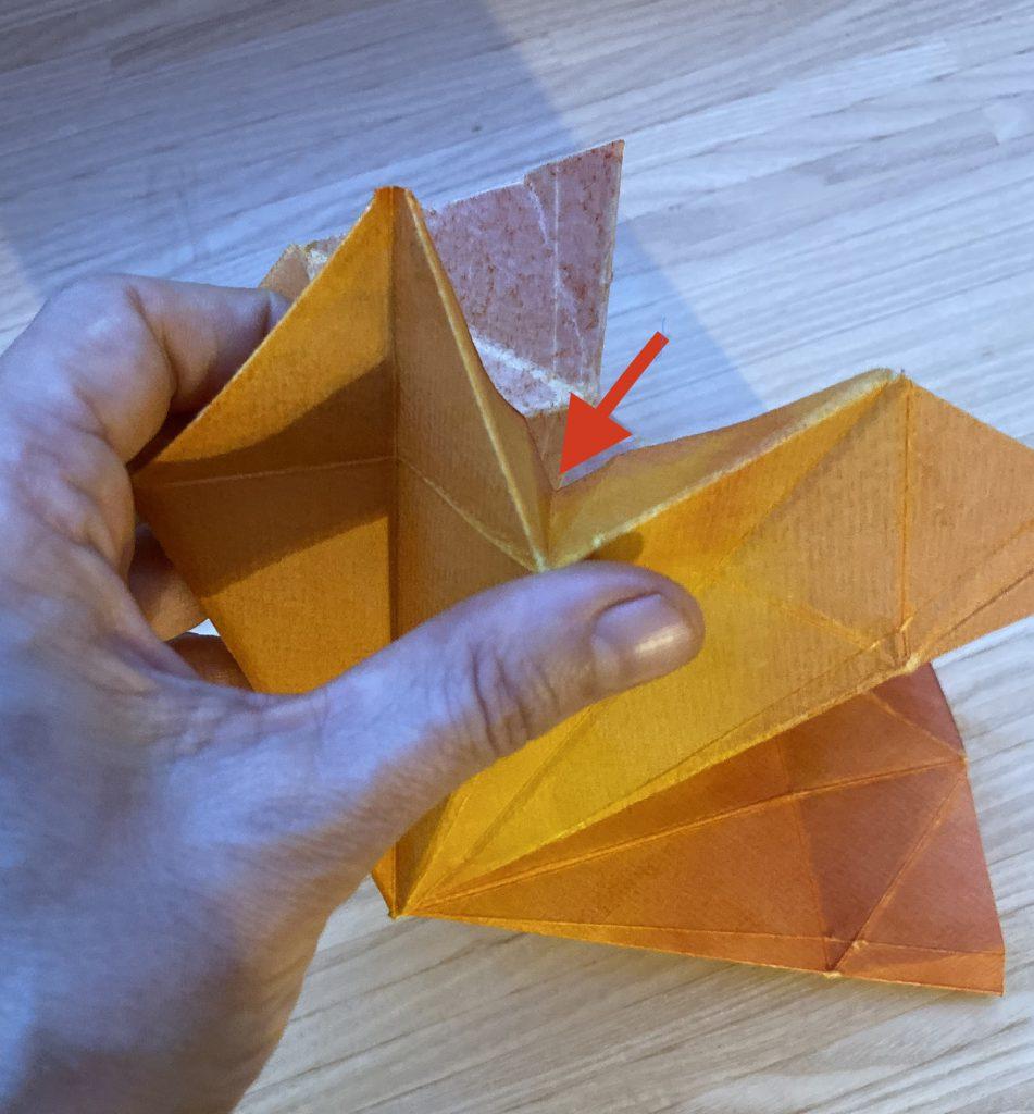 Waldorf Sternenlicht Anleitung: Dreieck mit eingeknickten Spitzen