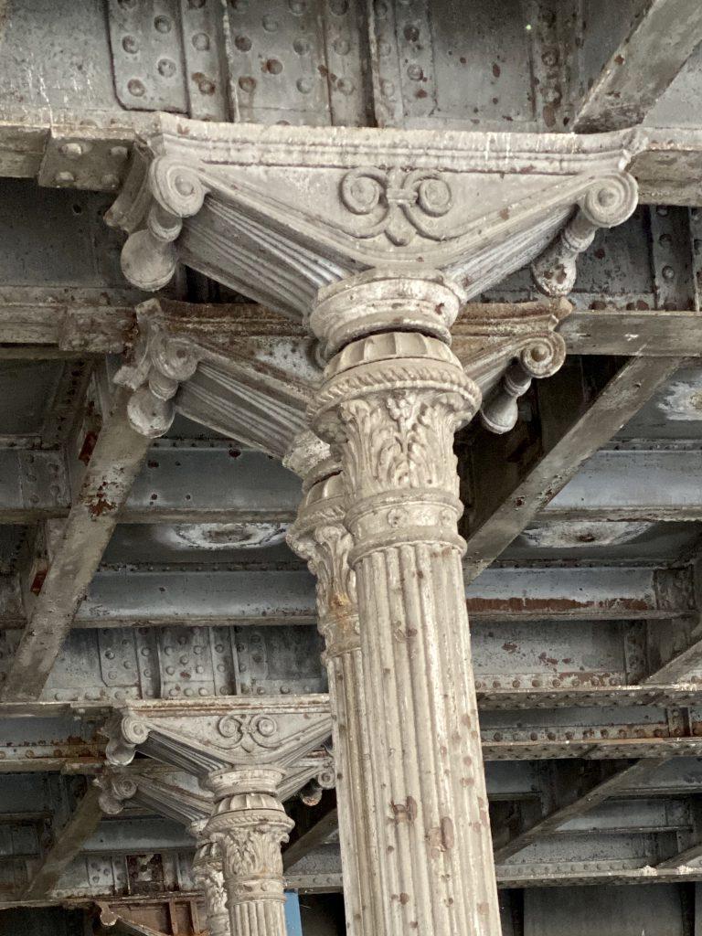 Säulen im Gleimtunnel, Berlin