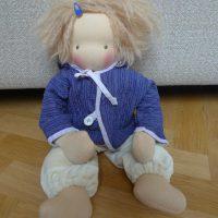"""Waldorfpuppe """"Marie"""" von Feinslieb mit blauer Jacke"""
