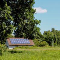 Landhaus feinslieb mit Solarpaneelen