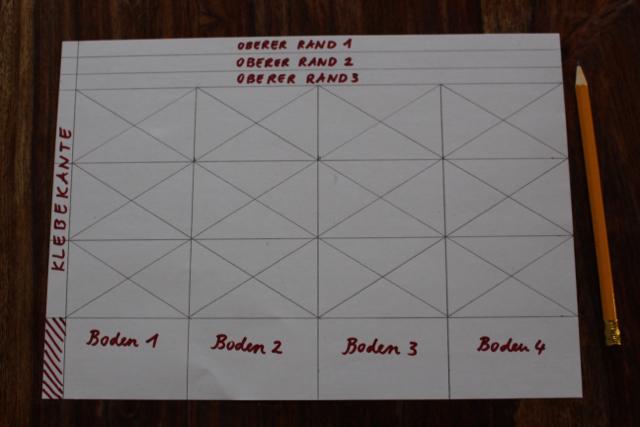 Waldorf-Laterne basteln Schritt 2, Falzschema Typus A mit Diagonalen