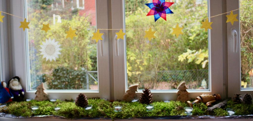 Waldorf Adventskalender auf der Fensterbank