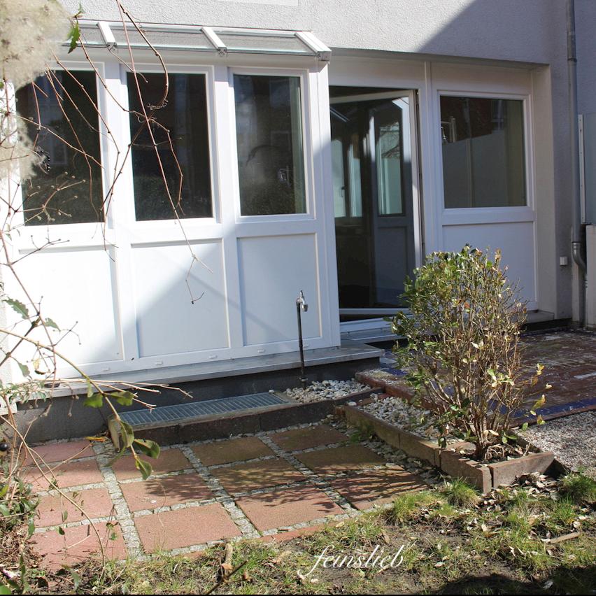 Wohnung in Berlin: Neubau mit kleinem Garten im Brunnenviertel, mit  Wintergarten-Fenstern.